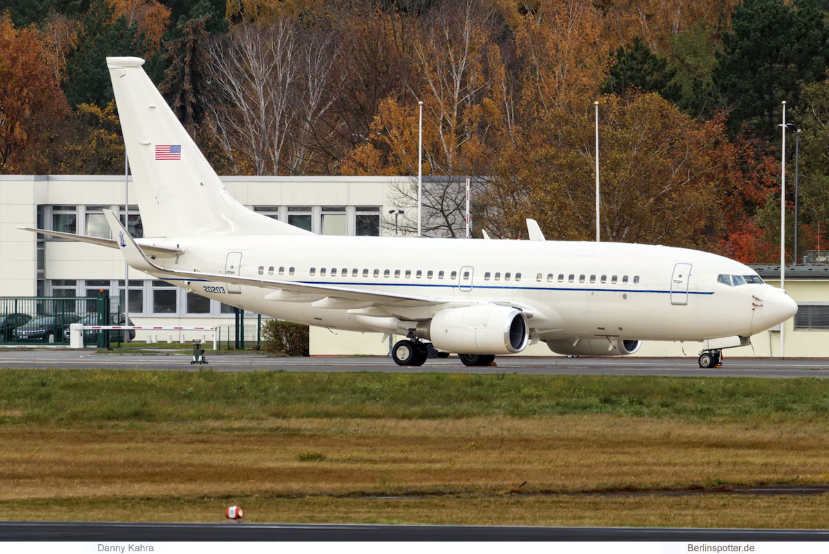 US Air Force Boeing C-40B 20203