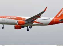easyJet Europe Airbus A320-200(SL) OE-IVQ (SXF 4.12. 2017)