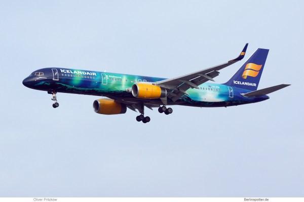 Icelandair Boeing 757-200(WL) TF-FIU, Aurora-Bemalung (TXL 3.12.2017)