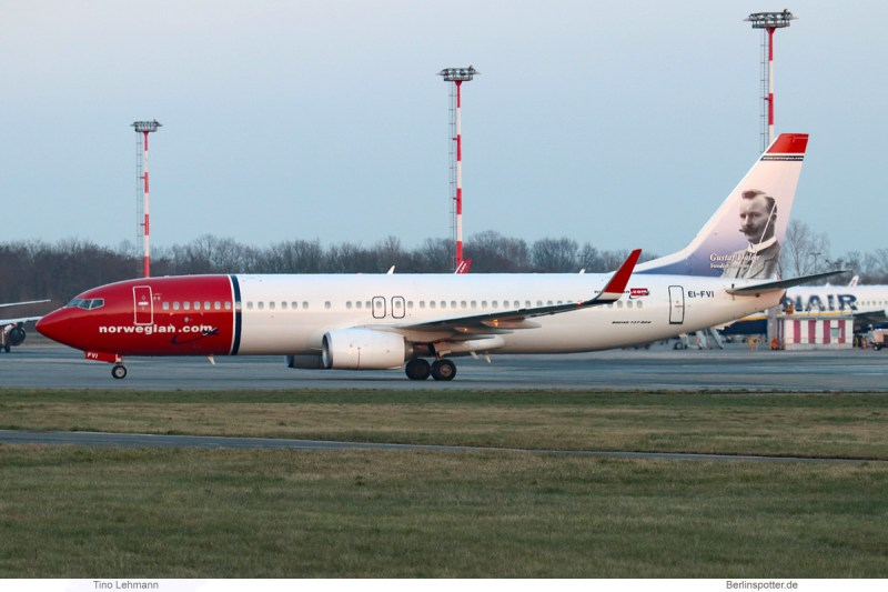 Norwegian Air International, Boeing 737-800(WL) EI-FVI, Gustaf Dalén im Tail (SXF 14.2. 2018)