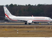 Polen, Boeing 737-800(WL) 0110, mit Sticker 100 Jahre Unabhängigkeit (TXL 16.3. 2018)