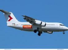 easyJet, BAe-146-200 D-AZFR, opb WDL, Zeitfracht-Logo, Cello cheatline (TXL 9.5. 2018)