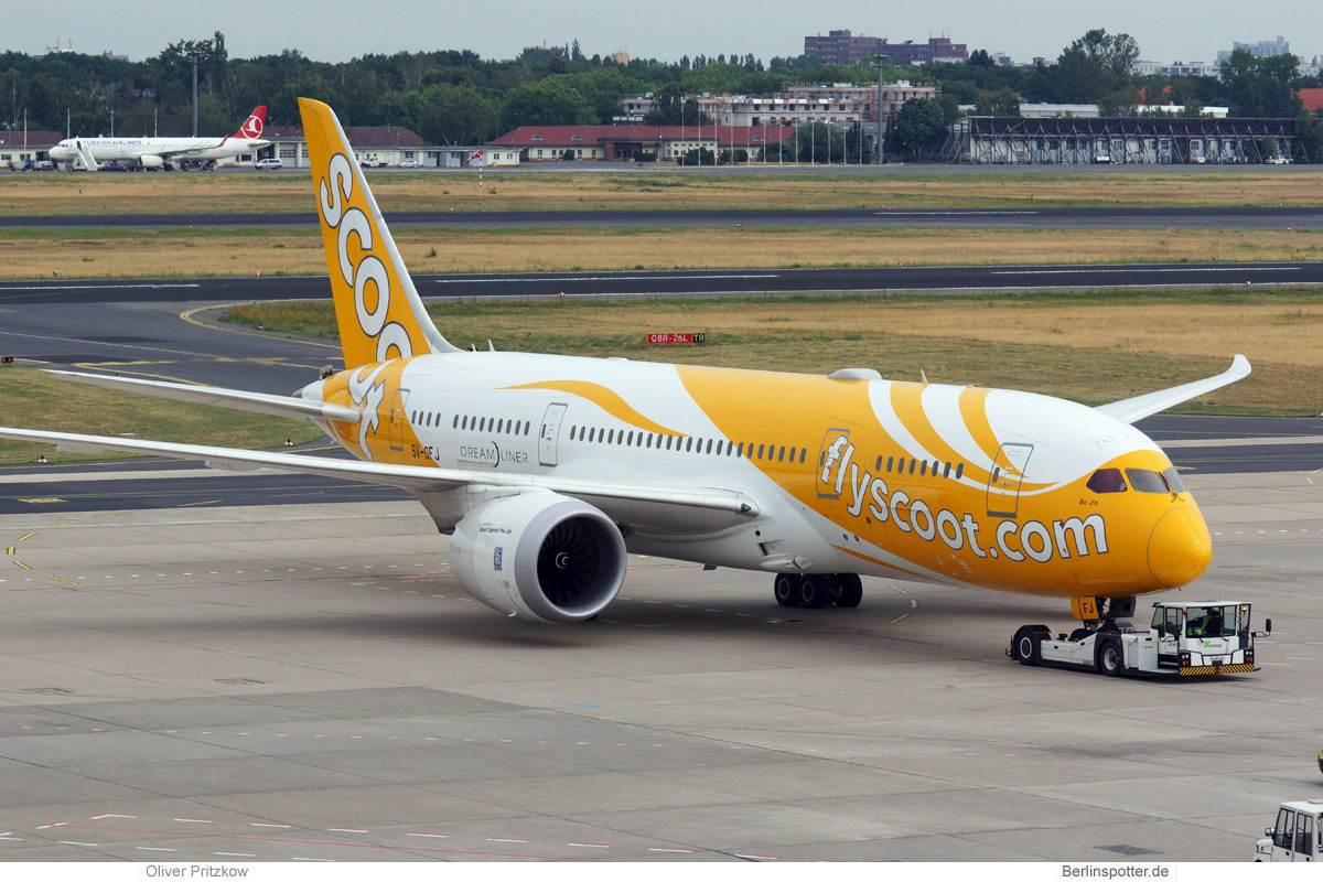 Scoot Boeing 787-8 9V-OFJ