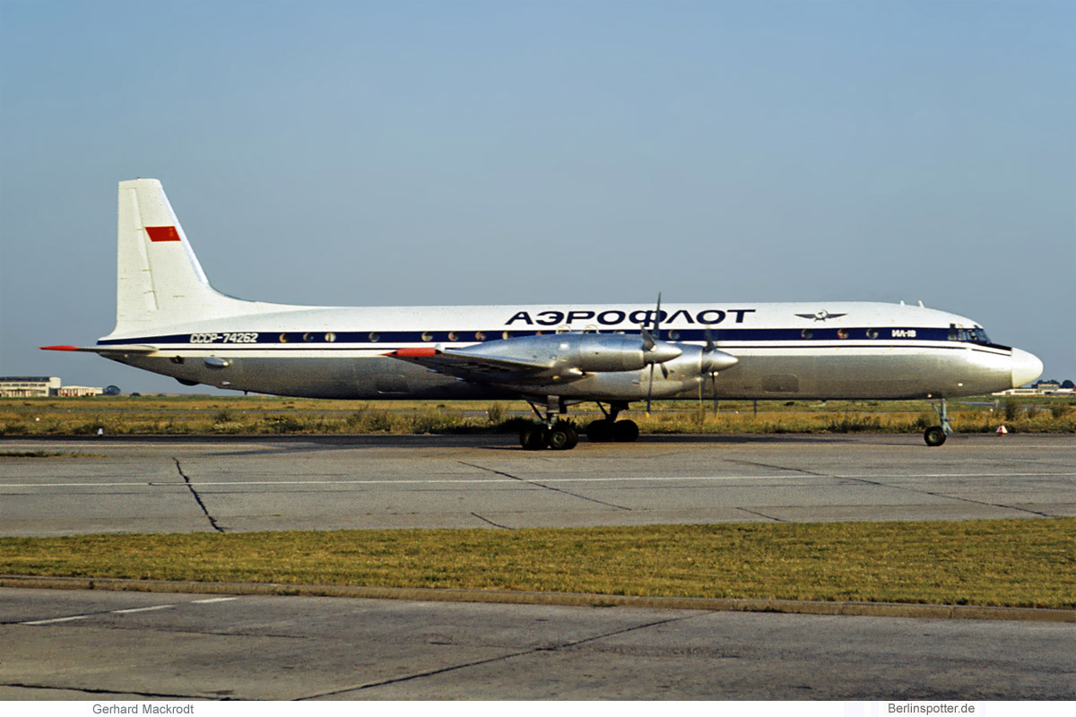 Aeroflot Ilyushin Il-18 CCCP-74262