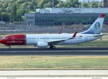Norwegian Air International, Boeing 737-800(WL) EI-FJT, Fredrika Bremer im Tail (SXF 21.6. 2018)