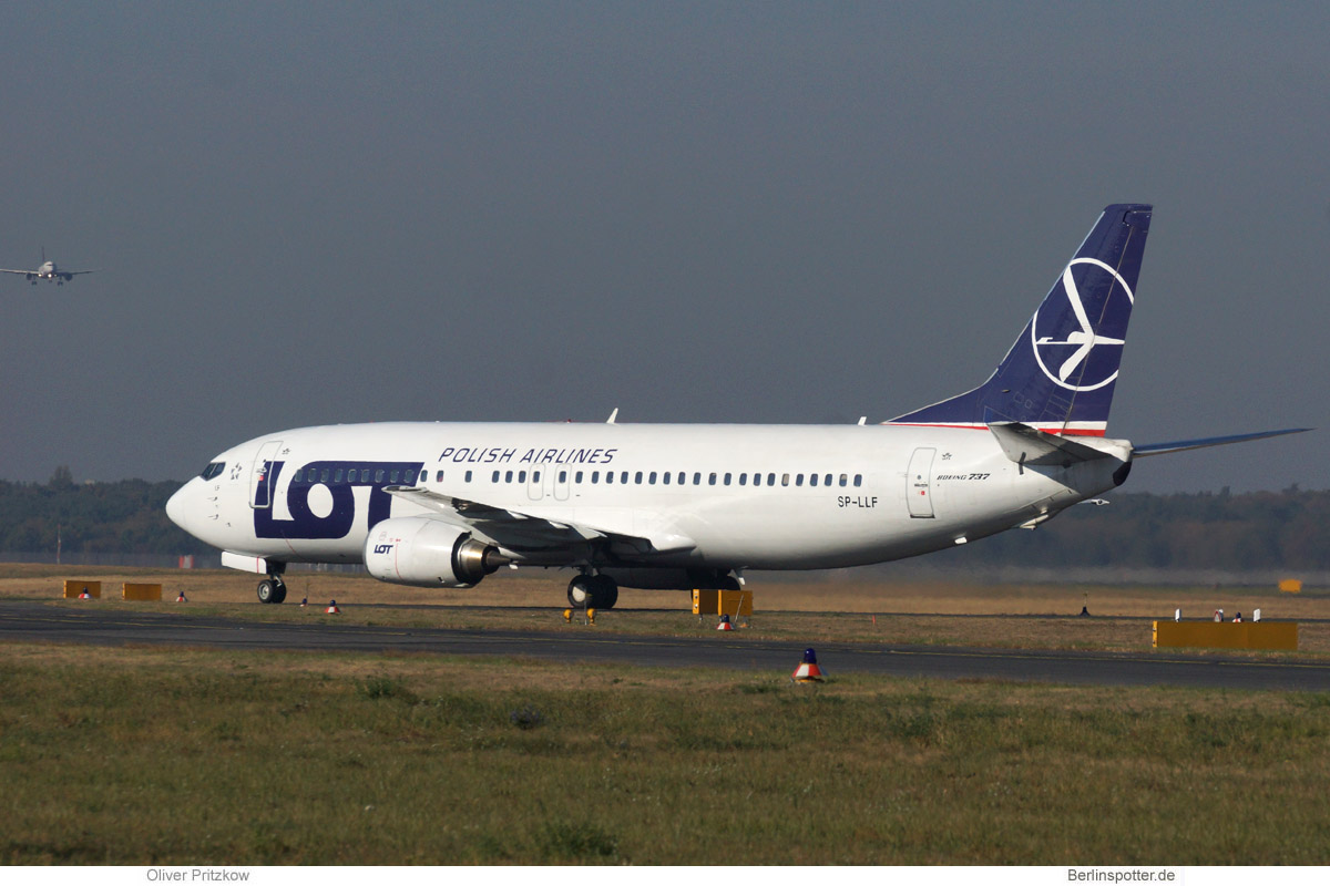 LOT Polish Airlines Boeing 737-400 SP-LLF