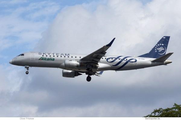 Alitalia Cityliner, Embraer 190 EI-RND (TXL 10.8.2019)
