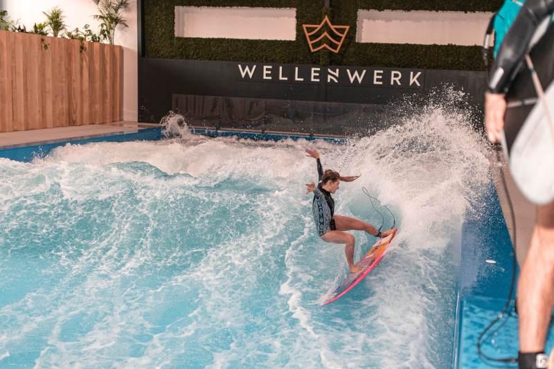 Wellenwerk - surf på verdens største indoor surf wave