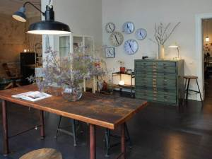 J&V - Finest Industrial Vintage Furniture