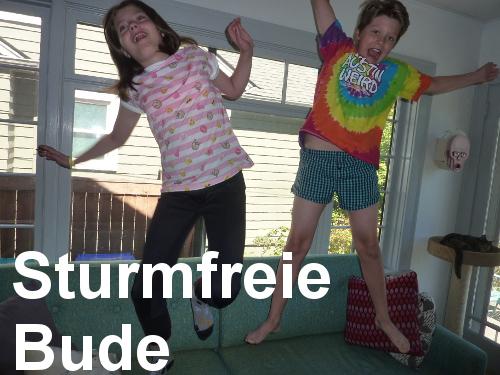 Militaristic German words: Sturmfreie Bude