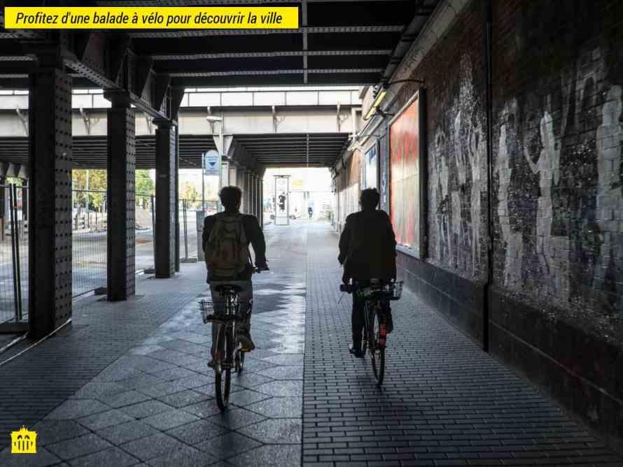 visite guidée en francais à vélo