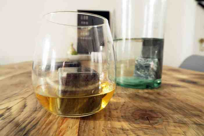 Granit Berlin Loves You Furniture ice cubes