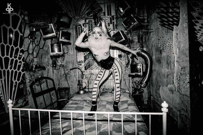 Cabaret of Curiositease Fifi Fantôme