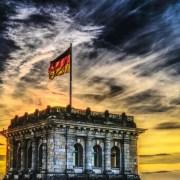 https://pixabay.com/it/bundestag-bandiera-tedesca-reichstag-2463236/
