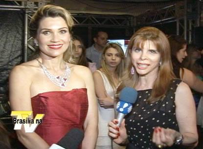 A atriz Flávia Alessandra com Bernadete Alves