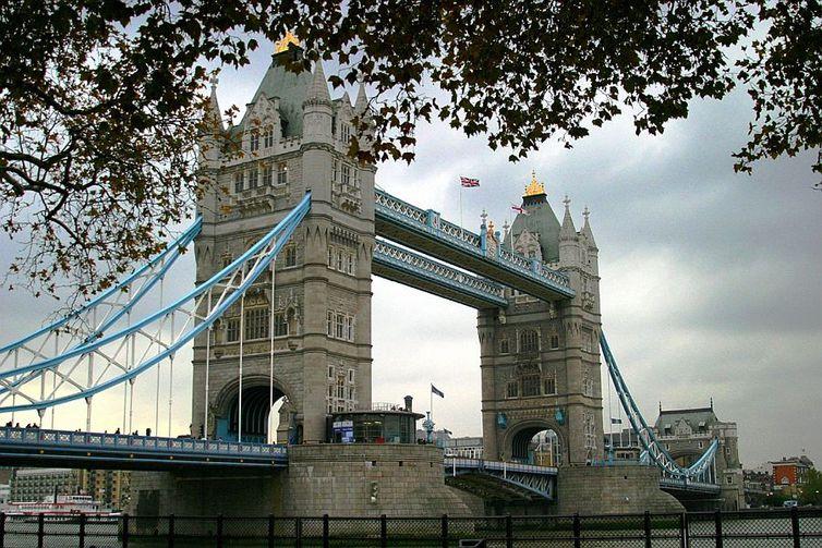Tower Bridge, a torre da ponte em Londres