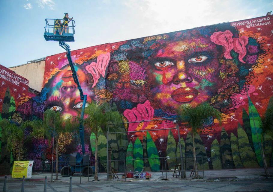 Grafiteira Panmela Castro