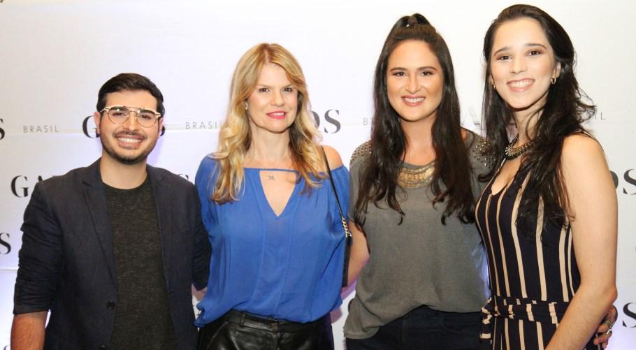 Daniel Abem com Márcia Witczak, Leila Diniz e Maiara Carvalho