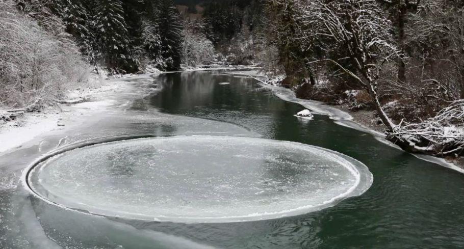 Disco de Gelo no rio Presumpscot, em Westbrook,Maine, EUA - bernadetealves.com