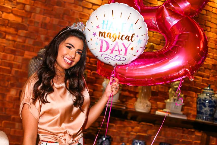 Isabella Lim festeja 22 anos - bernadetealves.com