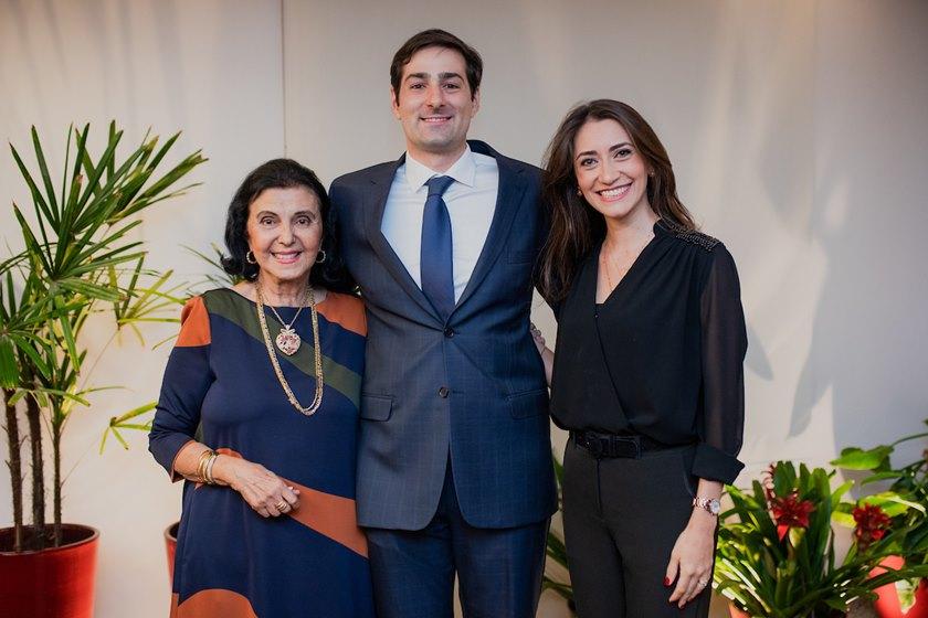 Rafael Viana lança a obra Consumidor Perante o Mercado - bernadetealves.com