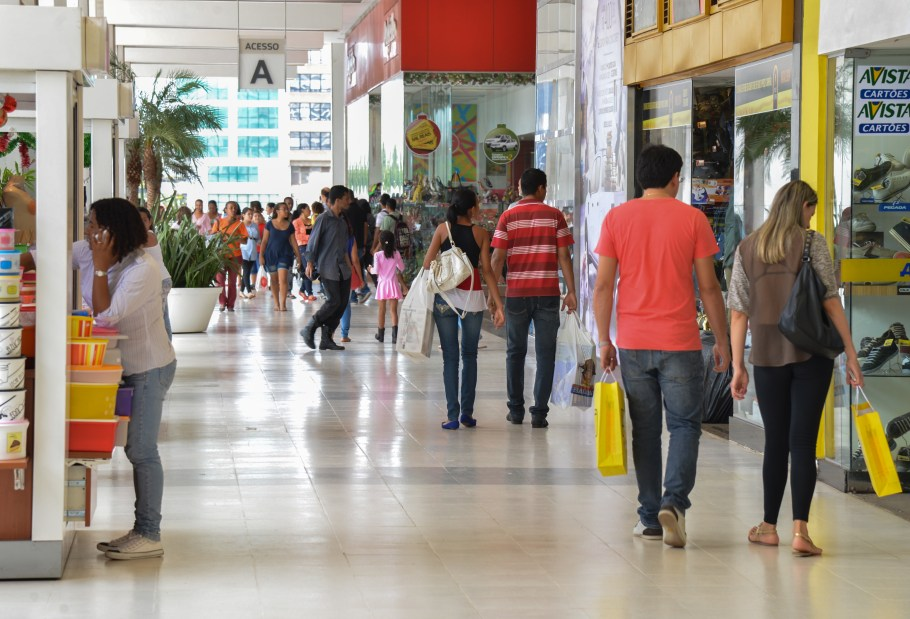 Compras nos shoppings as vésperas do Natal