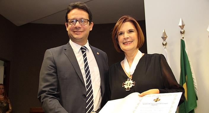 OAB/DF entrega Medalha Myrthes Campos 2019 - bernadetealves.com