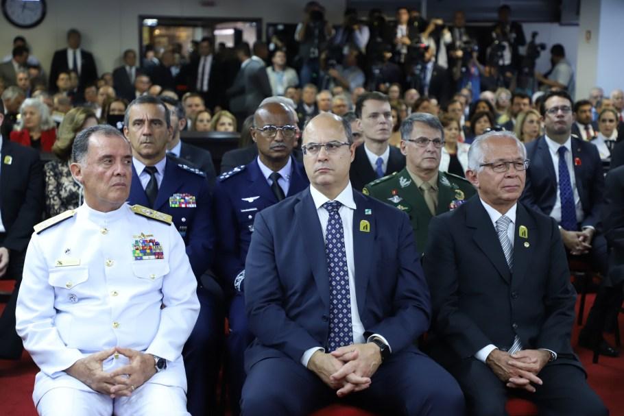 Almirante Marcus Vinicius assume comando do STM - bernadetealves.com