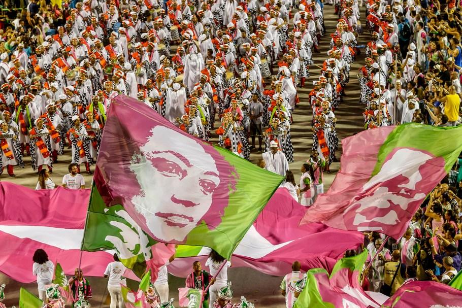 Mangueira é campeã do carnaval do Rio - bernadetealves.com