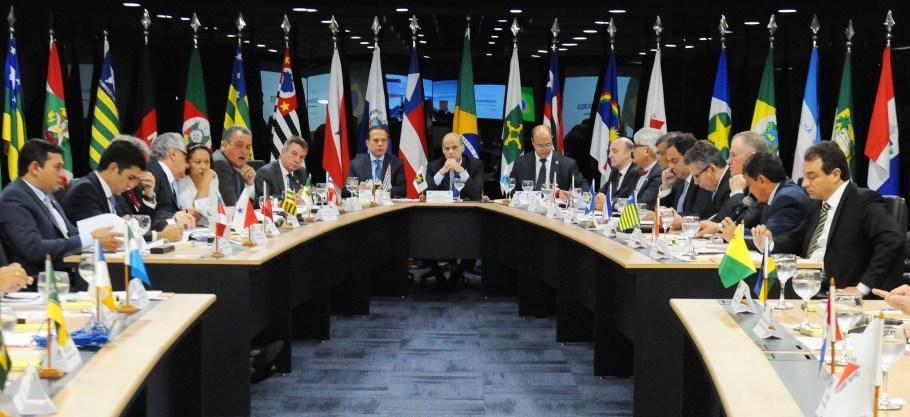 Paco Britto comanda 4° Fórum de Governadores em Brasília - Bernadete Alves