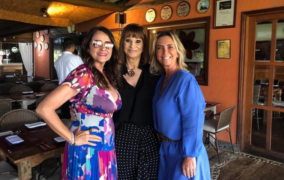 Aniversário Consuêlo Badra 2019 - Claudia Tolentino, Consuêlo Badra e Ana Claudia Badra - Bernadete Alves