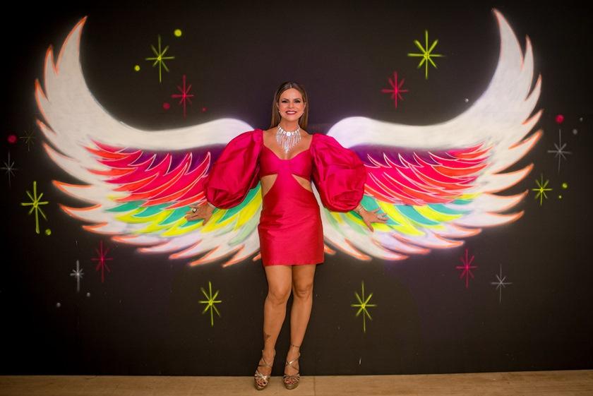 Dj Aka Kvsh anima os 18 anos de Maria Valentina Salomão - Bernadete Alves