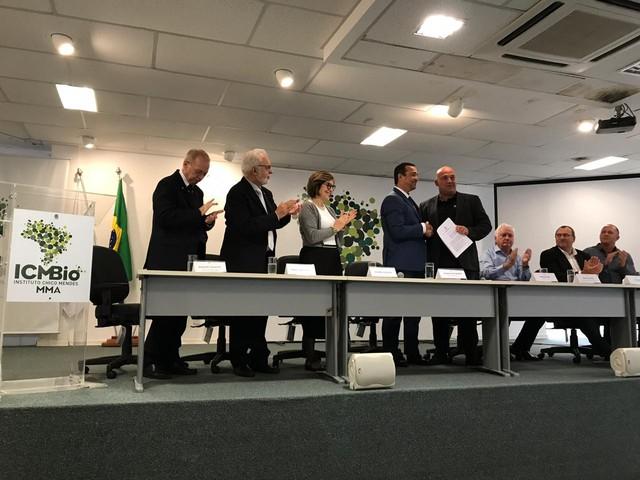 Ararinha-azul será reintroduzida no Brasil - ICMBio e ONG alemã - Bernadete Alves Alves
