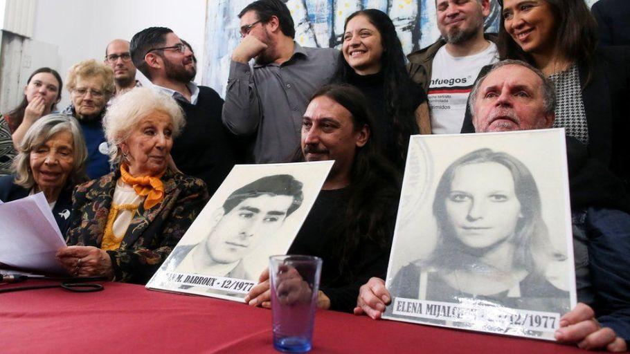 Avós da Praça de Maio encontram o 130º neto desaparecido - Bernadete Alves