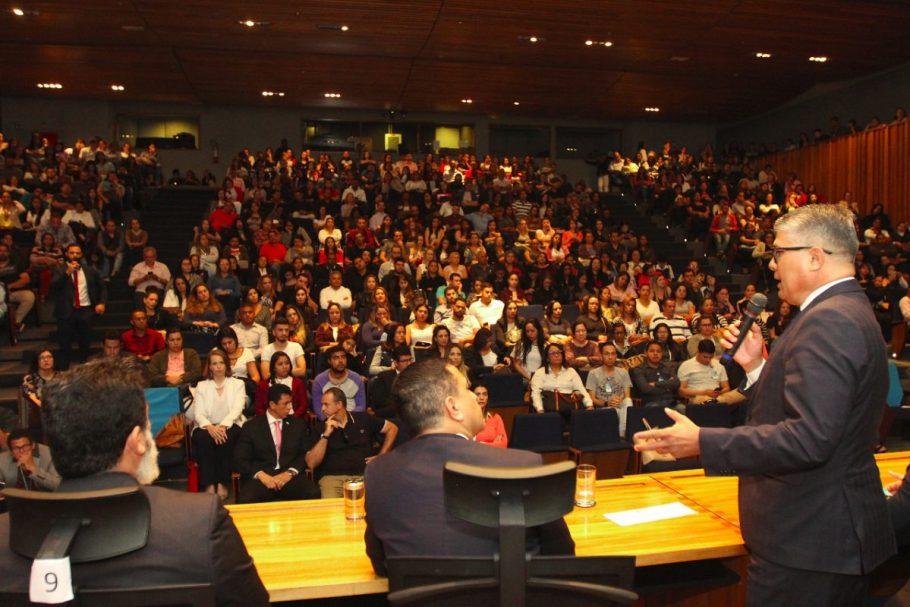 Iges-DF contrata 140 profissionais da saúde - Bernadete Alves