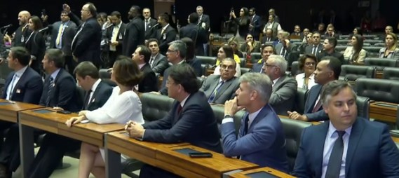 Câmara faz sessão em homenagem aos 50 anos do Jornal Nacional