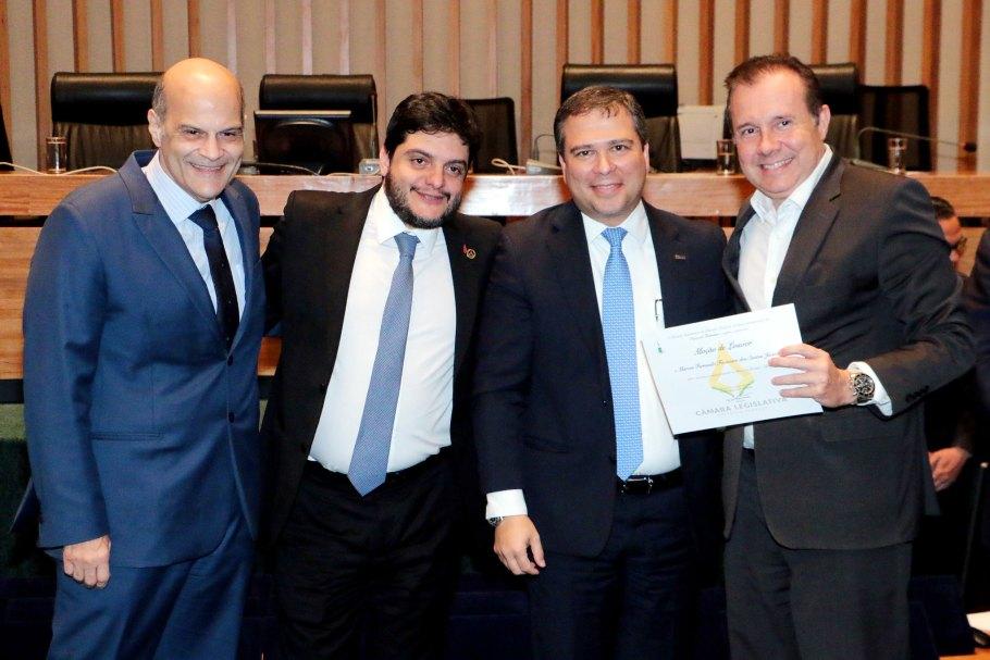 CLDF celebra os 53 anos do BRB com Sessão Solene - Bernadete Alves