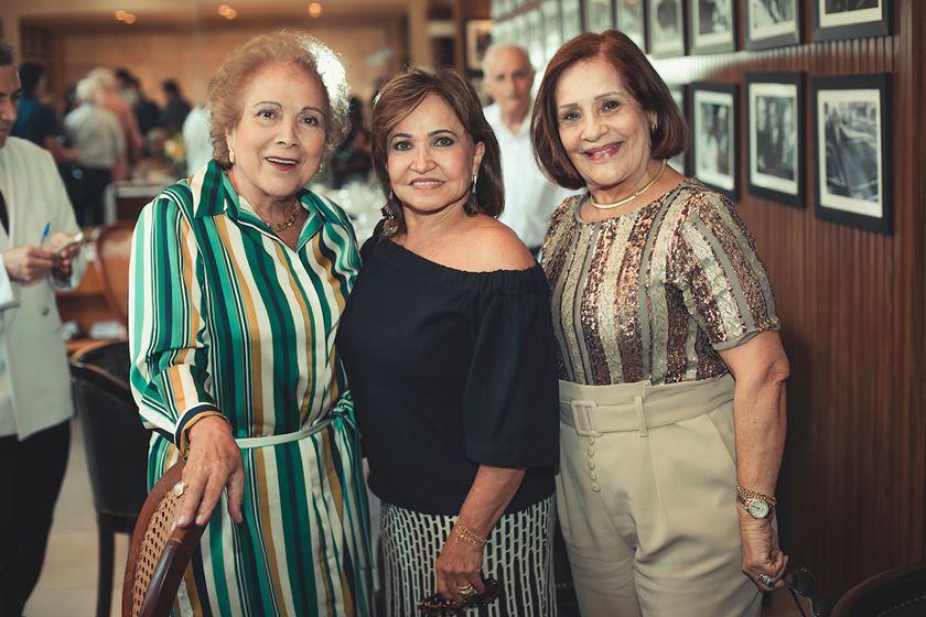 Gilberto Amaral  e Mara celebram Bodas de Diamante - Bernadete Alves