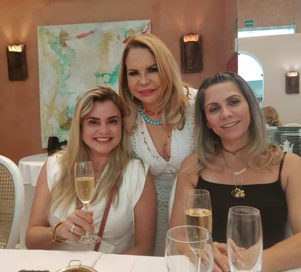 Gracia Cantanhede com Pauliana Vargas Machado e Maura Charlotte Vilela