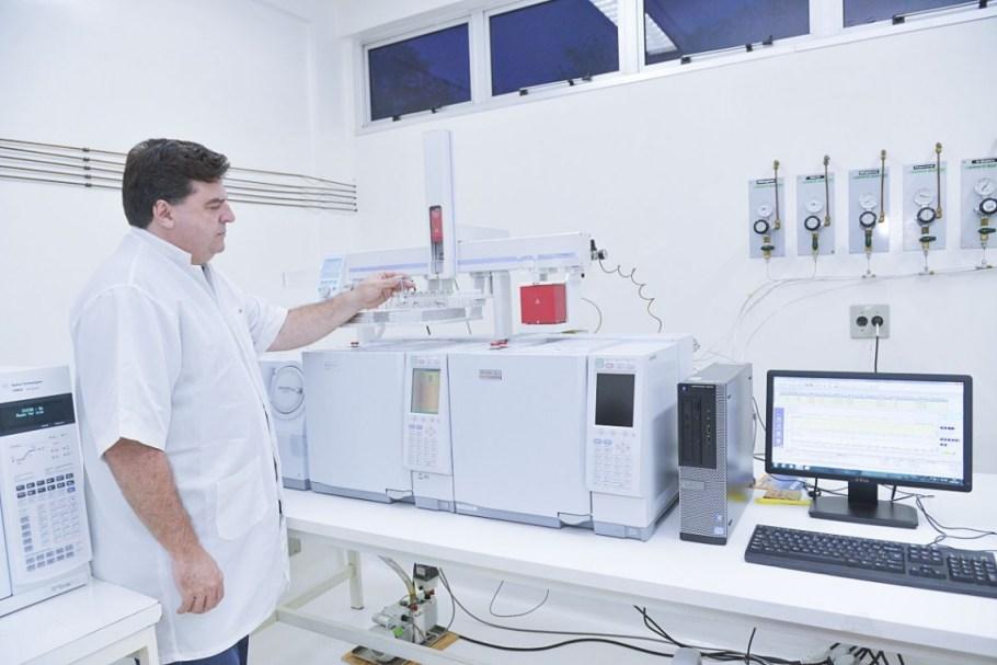 UFG descobre que cera de ouvido detecta câncer  Bernadete Alves