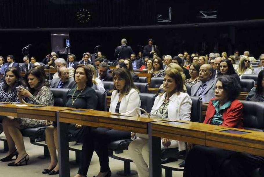 Câmara realiza sessão solene em homenagem a Sigmaringa Seixas - Bernadete Alves