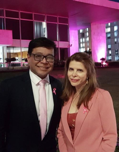 Secretário da Saúde, Osnei Okumoto e a jornalista Bernadete Alves