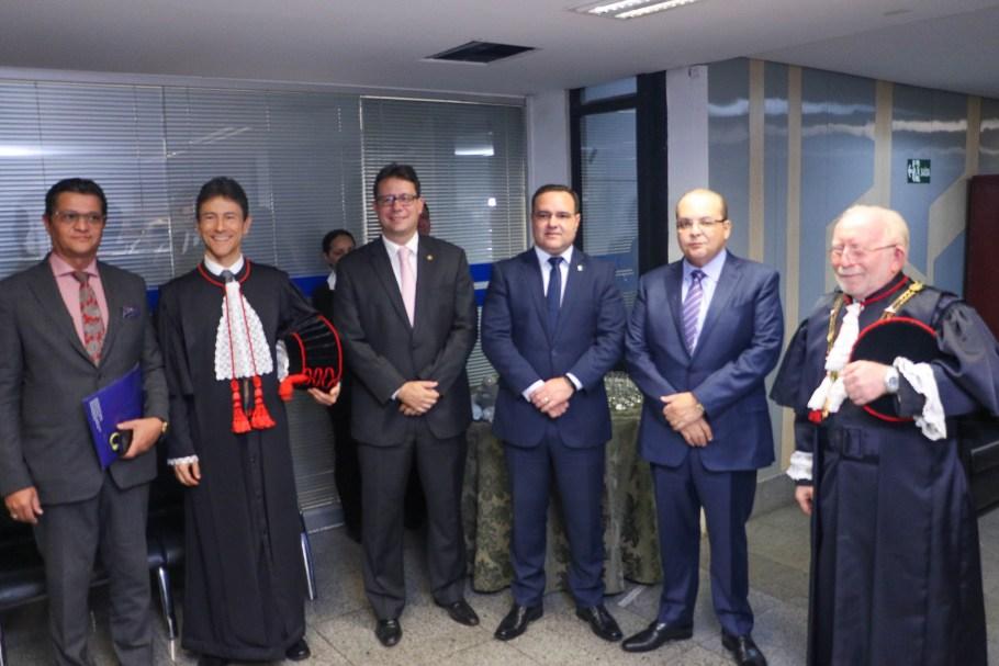 Robson Vieira Teixeira de Freitas toma posse como Desembargador do TJDFT - Bernadete Alves
