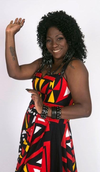 Cantora Dhi Ribeiro