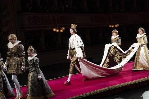 Dolce & Gabbana apresenta espetáculo de Alta Moda no Teatro Alla Scala
