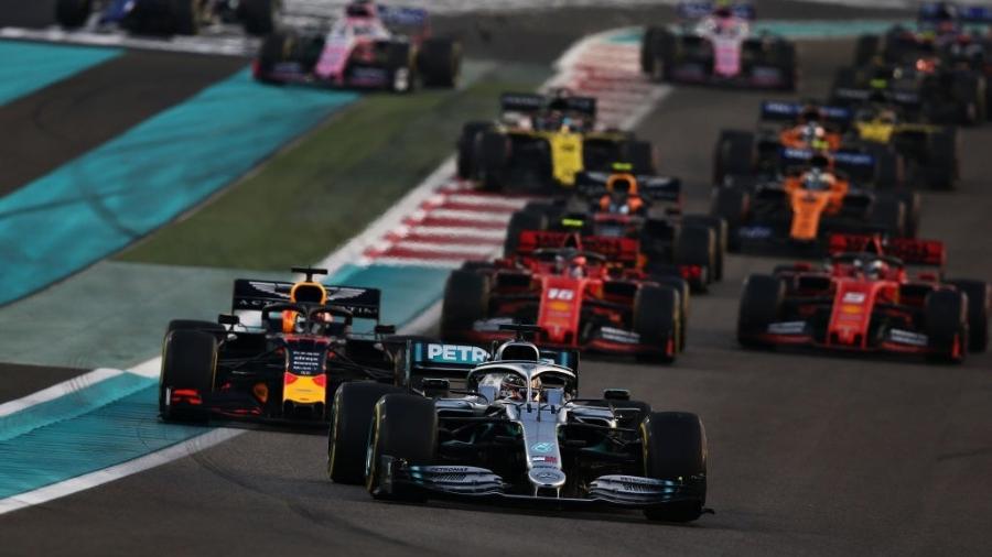 O ano de ouro de Lewis Hamilton - Bernadete Alves