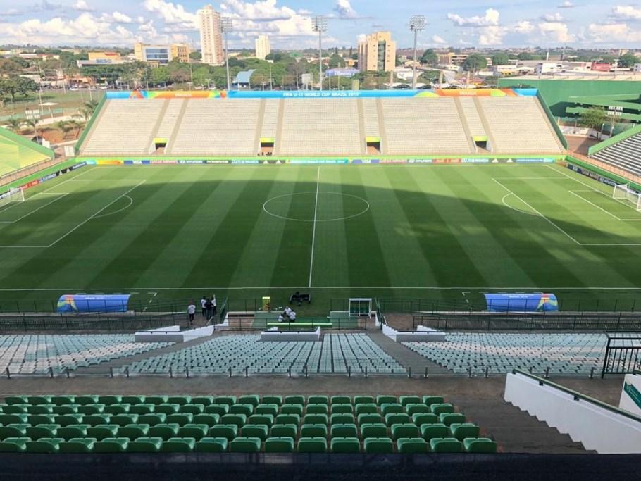 Estádio Bezerrão - Bernadete Alves
