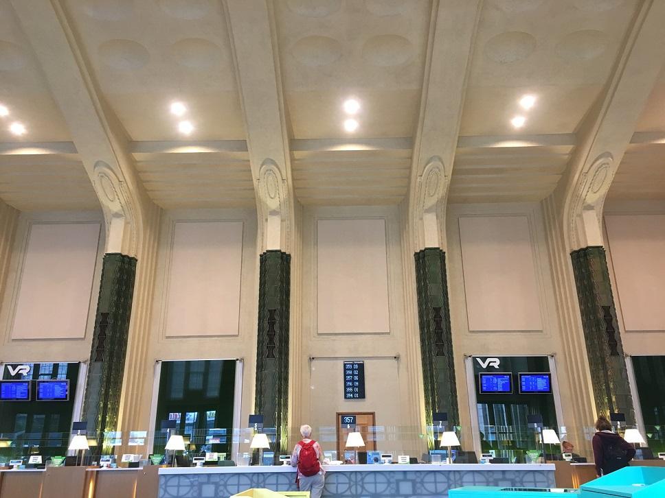 Helsinki tren istasyonu
