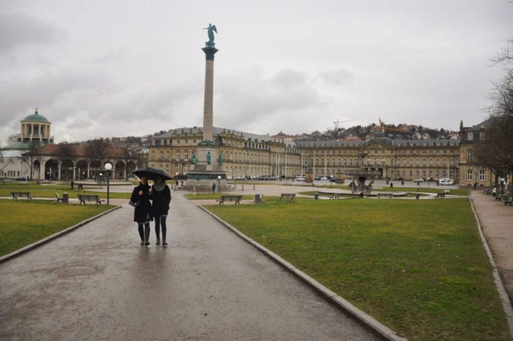Stuttgart yılın büyük bölümünde yağışlı