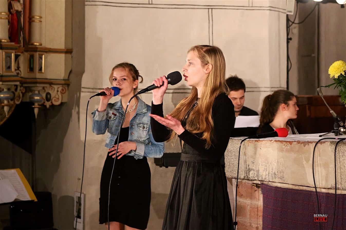 Bernau Standing Ovations Beim Weihnachtskonzert Des P P Gymnasium